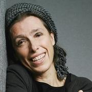 Author photo. Jeanne Ashbe