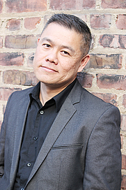 Author photo. By Lia Chang - <a href=&quot;http://www.flickr.com/photos/liachang/7420301874/&quot; rel=&quot;nofollow&quot; target=&quot;_top&quot;>http://www.flickr.com/photos/liachang/7420301874/</a>, CC BY-SA 2.0, <a href=&quot;https://commons.wikimedia.org/w/index.php?curid=19991546&quot; rel=&quot;nofollow&quot; target=&quot;_top&quot;>https://commons.wikimedia.org/w/index.php?curid=19991546</a>