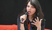 """Author photo. Fatima Farheen Mirza stellt auf der Leipziger Buchmesse 2019 ihren Roman """"Worauf wir hoffen"""" (dtv) vor By Amrei-Marie - Own work, CC BY-SA 4.0, <a href=""""https://commons.wikimedia.org/w/index.php?curid=77784654"""" rel=""""nofollow"""" target=""""_top"""">https://commons.wikimedia.org/w/index.php?curid=77784654</a>"""