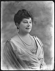 Author photo. Baroness Emma Orczy de Orczi (1865–1947) by Bassano Ltd.