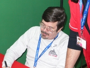 """Author photo. Steve Jackson signing autographs at Lucca Comics & Games 2006 gaming convention in en:Lucca, en:Italy. By The original uploader was Phibbi at English Wikipedia. - Transferred from en.wikipedia to Commons., CC BY-SA 3.0, <a href=""""//commons.wikimedia.org/w/index.php?curid=4019988"""" rel=""""nofollow"""" target=""""_top"""">https://commons.wikimedia.org/w/index.php?curid=4019988</a>"""
