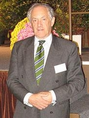 Author photo. Peter Atkins at a conference in Paris, 2007 [source: Rell Canis]