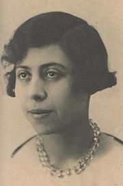 Author photo. Irène Némirovsky vers 1917 à l'âge où elle commence à écrire