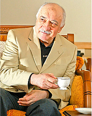 Author photo. Gulen while being interviewed by Nuriye Akman, photographed by Diyar Se