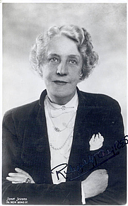 Author photo. Ruby M. Ayres, a picture postcard autographed by the author
