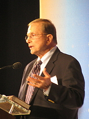 Author photo. Reading at National Book Festival By Slowking4 - Own work, GFDL 1.2, <a href=&quot;https://commons.wikimedia.org/w/index.php?curid=35034161&quot; rel=&quot;nofollow&quot; target=&quot;_top&quot;>https://commons.wikimedia.org/w/index.php?curid=35034161</a>