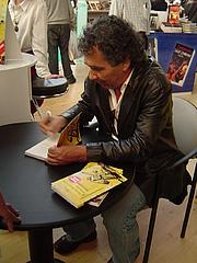 "Author photo. Hernán Rivera Letelier <a href=""http://www.flickr.com/photos/aguayoki/290491950"" rel=""nofollow"" target=""_top"">http://www.flickr.com/photos/aguayoki/290491950</a>"