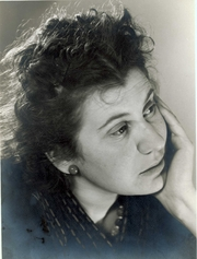 Author photo. Etty Hillesum in 1940 - Collectie Joods Historisch Museum