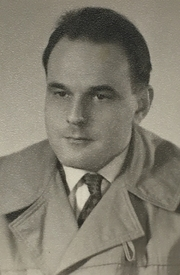 """Author photo. The young Gert Ledig By Rosenschnatz - Own work, CC BY-SA 4.0, <a href=""""//commons.wikimedia.org/w/index.php?curid=48272907"""" rel=""""nofollow"""" target=""""_top"""">https://commons.wikimedia.org/w/index.php?curid=48272907</a>"""