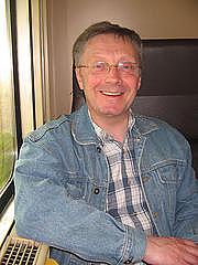 Author photo. Ffotograff gan Dogfael