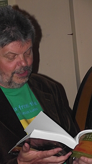 Author photo. Duncan Lunan [credit: Wikimedia Commons user McMarcoP]