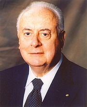 "Author photo. Courtesy of <a href=""http://www.allenandunwin.com"">Allen & Unwin</a>"