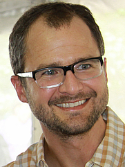 Author photo. By Larry D. Moore, CC BY-SA 3.0, <a href=&quot;https://commons.wikimedia.org/w/index.php?curid=17356678&quot; rel=&quot;nofollow&quot; target=&quot;_top&quot;>https://commons.wikimedia.org/w/index.php?curid=17356678</a>