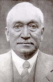 "Author photo. Abdullah Yusuf Ali. Photo from <a href=""http://upload.wikimedia.org/wikipedia/commons/b/b1/Yusuf_ali.jpg"" rel=""nofollow"" target=""_top""><i>Wikipedia</i></a>"