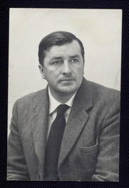 Author photo. Courtesy of the <a href=&quot;http://digitalgallery.nypl.org/nypldigital/dgkeysearchdetail.cfm?strucID=153662&imageID=86414&quot;> NYPL Digital Gallery </a> (image use requires permission from the New York Public Library)