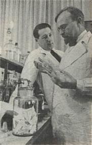 Author photo. Oparin and Kursanov (1938) (Public domain)