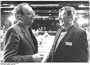 Author photo. Bernt Engelmann (right).  Photo by Gabriele Senft. (Deutsches Bundesarchiv Bild 183-1987-0714-305)