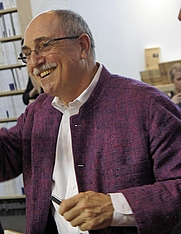 Author photo. By Garitan - Own work, CC BY-SA 3.0, <a href=&quot;https://commons.wikimedia.org/w/index.php?curid=18757424&quot; rel=&quot;nofollow&quot; target=&quot;_top&quot;>https://commons.wikimedia.org/w/index.php?curid=18757424</a>