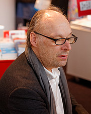 Author photo. By Pierre-Yves Beaudouin / Wikimedia Commons, CC BY-SA 3.0, <a href=&quot;https://commons.wikimedia.org/w/index.php?curid=25277282&quot; rel=&quot;nofollow&quot; target=&quot;_top&quot;>https://commons.wikimedia.org/w/index.php?curid=25277282</a>