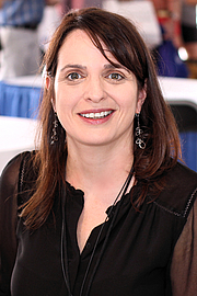 Author photo. Author Alissa Quart at the 2018 Texas Book Festival in Austin, Texas, United States. By Larry D. Moore - Own work, CC BY-SA 4.0, <a href=&quot;https://commons.wikimedia.org/w/index.php?curid=74121358&quot; rel=&quot;nofollow&quot; target=&quot;_top&quot;>https://commons.wikimedia.org/w/index.php?curid=74121358</a>